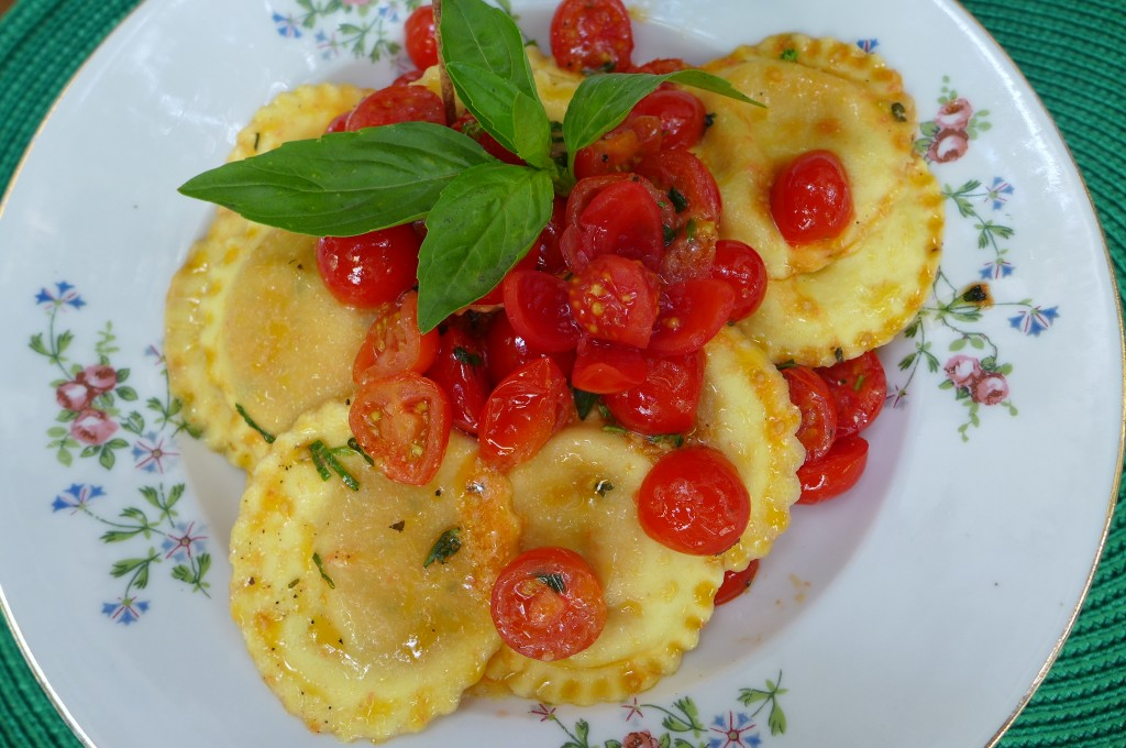 Ravioli mozza et tomate © GP