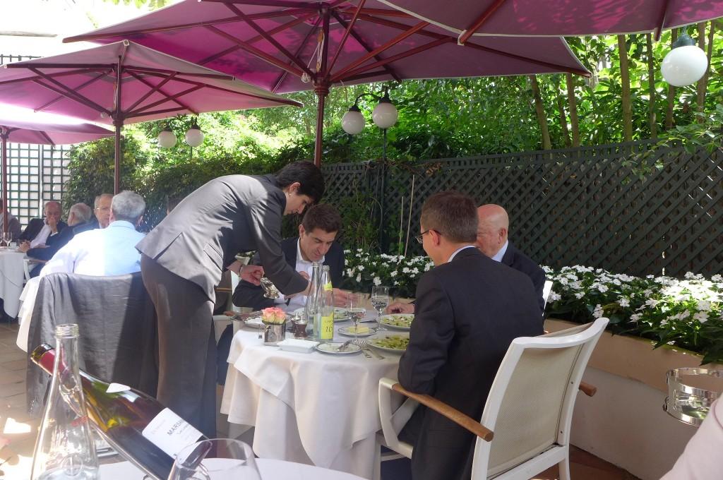 A table en terrasse © GP