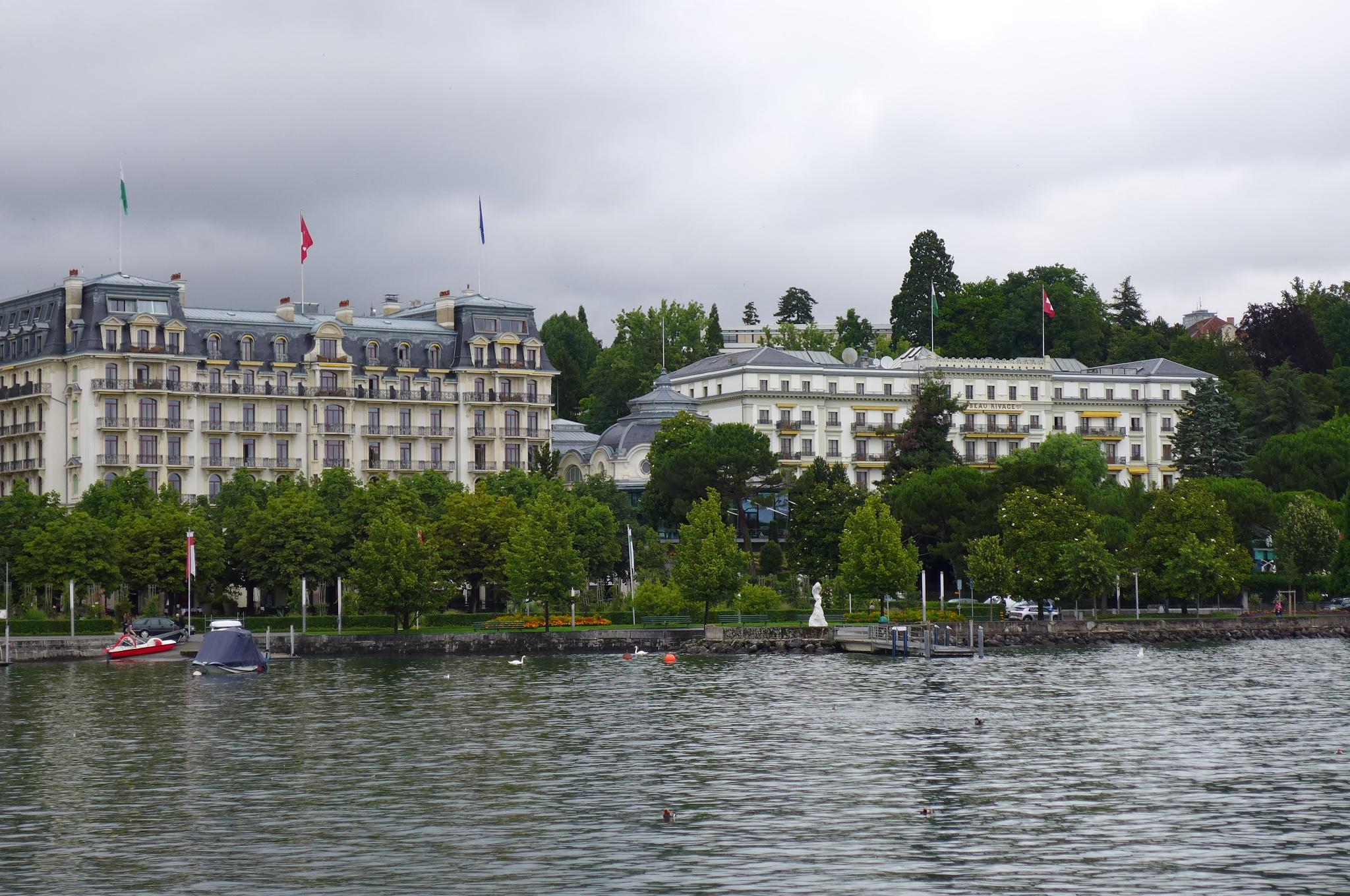 Maisons du monde bordeaux lac affordable amazing dco miroir blanc laque design maisie le havre - Maison du monde bordeaux ...