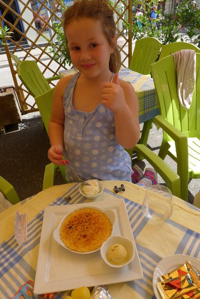 Ella et la crème brülée © GP