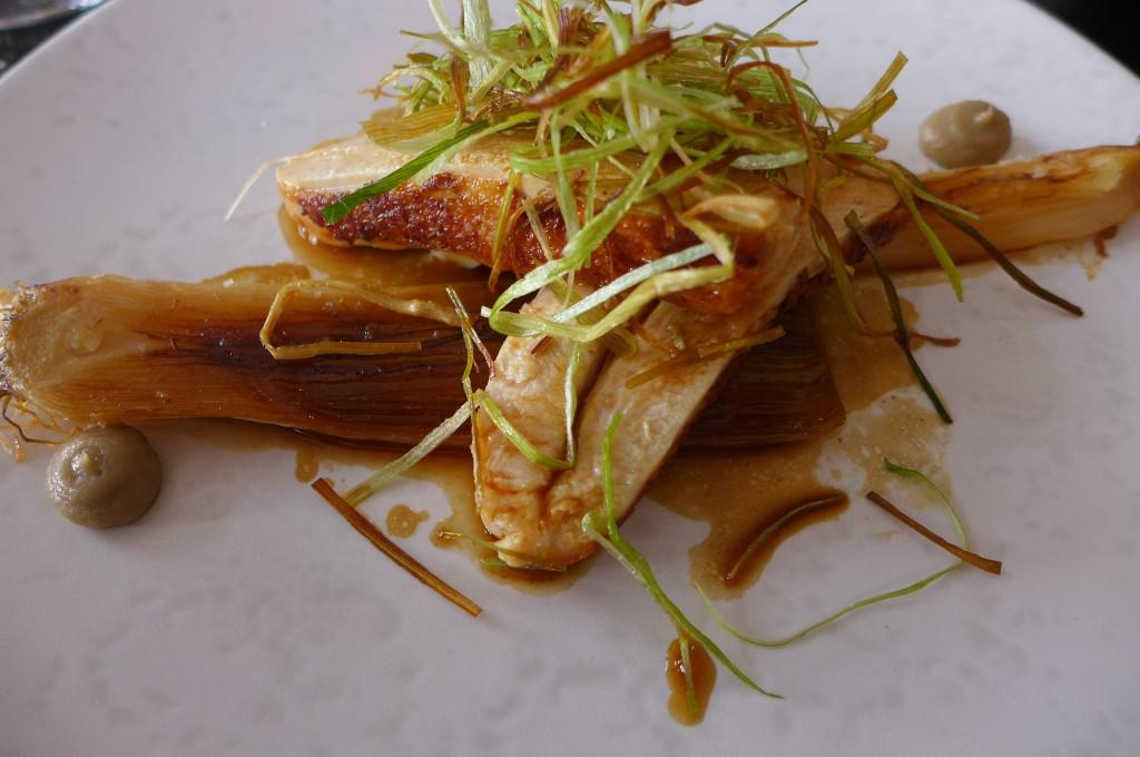 Suprême de poulet aux poireaux ©GP