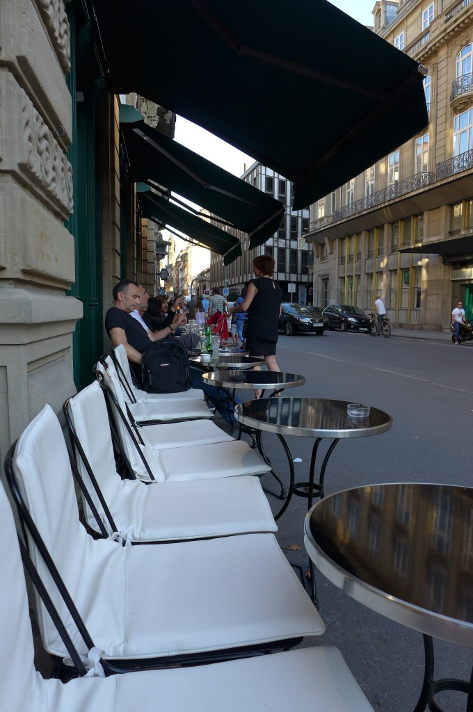 Terrasse rue du Dôme © GP
