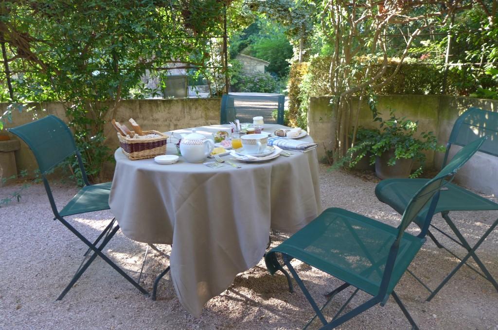 Petit déjeuner au Manoir © GP