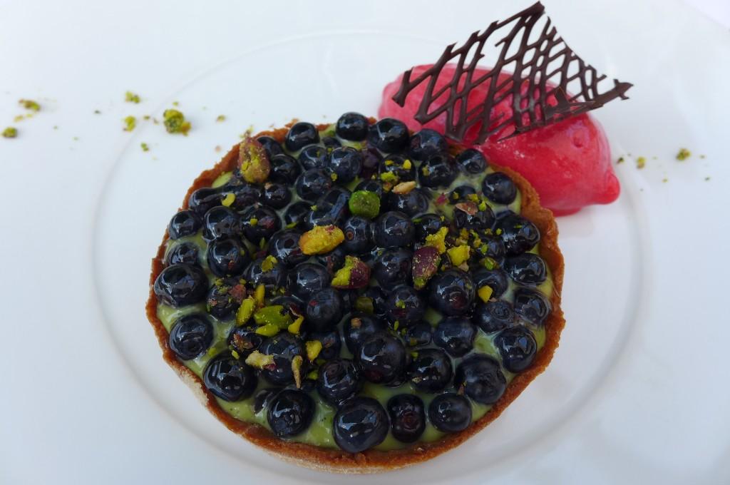 Tarte aux myrtilles et pistache © GP