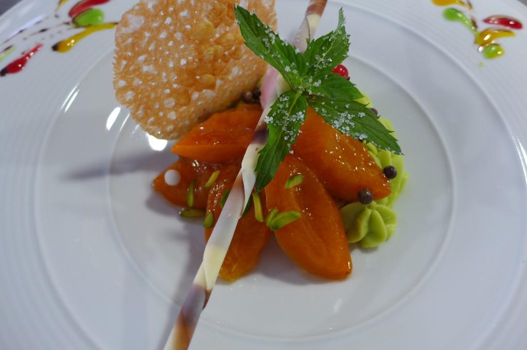 Tartelette aux abricots et pistache © GP