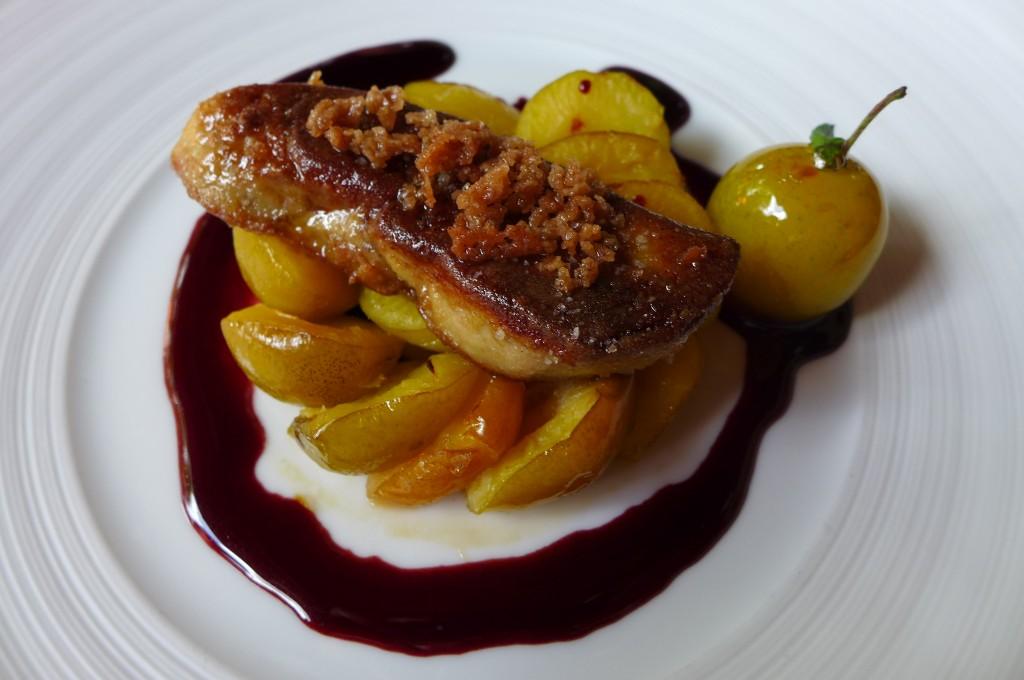 Foie gras chaud en streussel aux mirabelles © GP