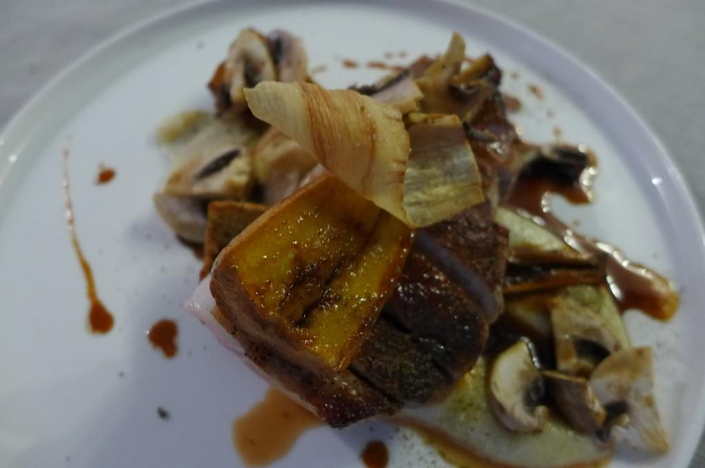 Côtes de cochon, champignons de Paris © GP