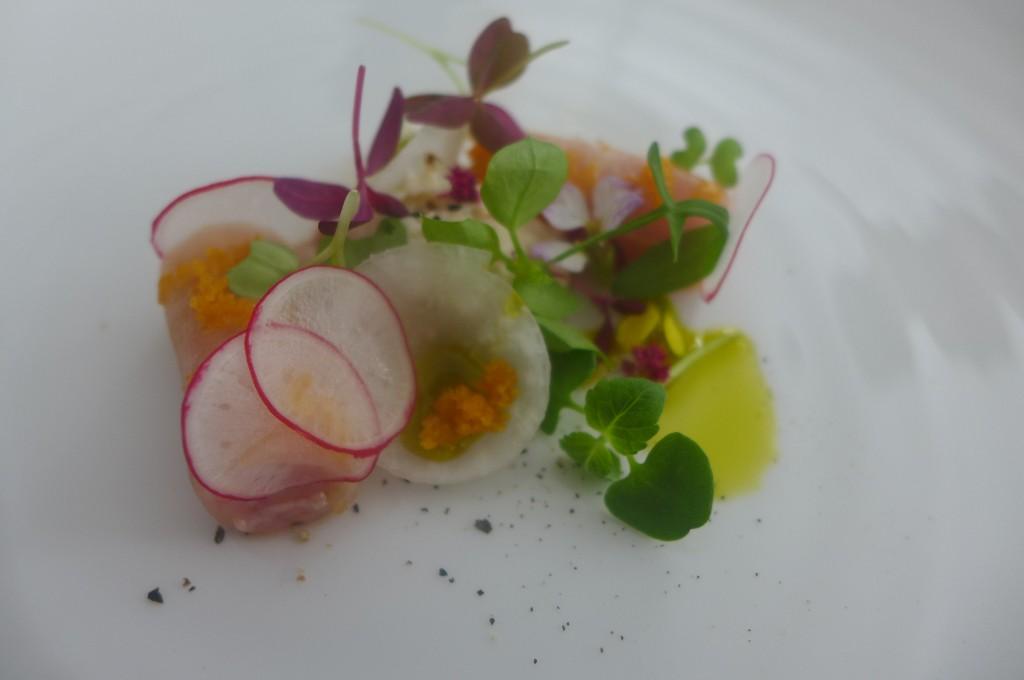 Roulé de veau, radis et crème d'anchois © GP