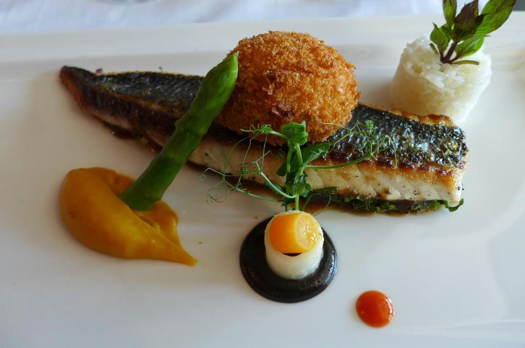 Dorade et cromesquis de homard © GP