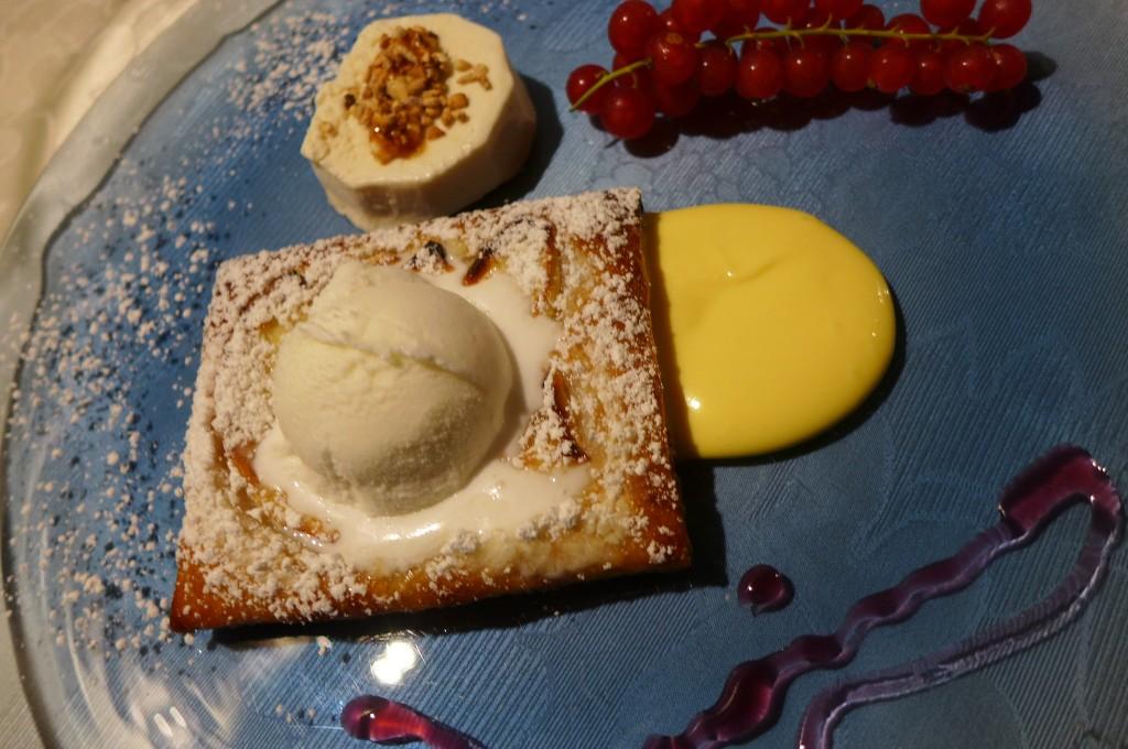 Semi-freddo et tarte aux pommes © GP