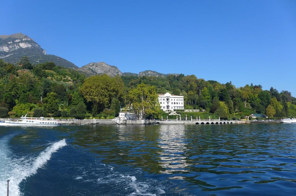 Villa au bord du lac © GP