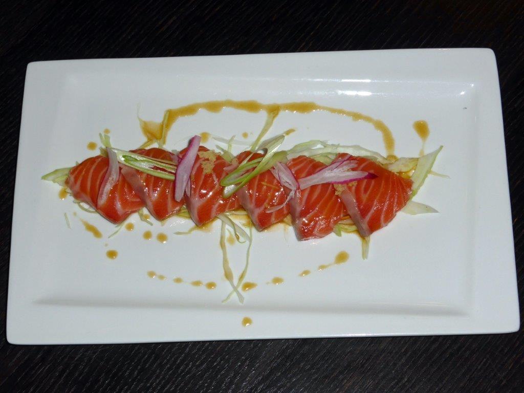 Sashimi de saumon © AA