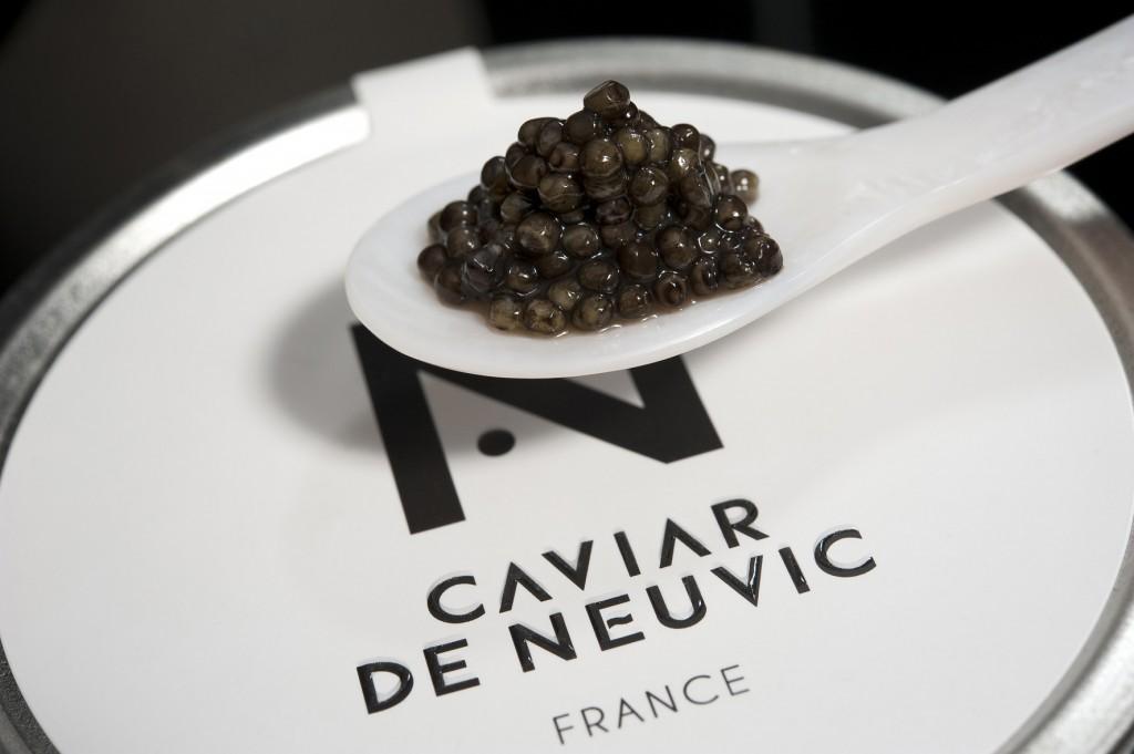 Le caviar sur sa boîte © DR