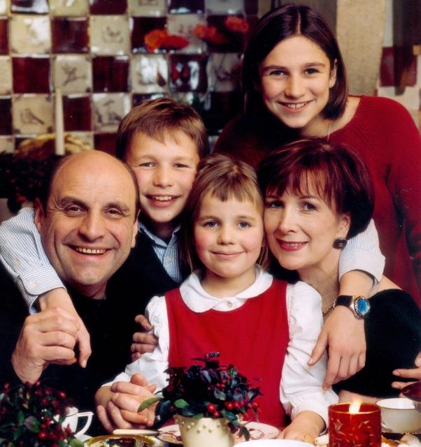 En famille en 2002 (Bastien, entre Bernard et Bérangère) ©DR