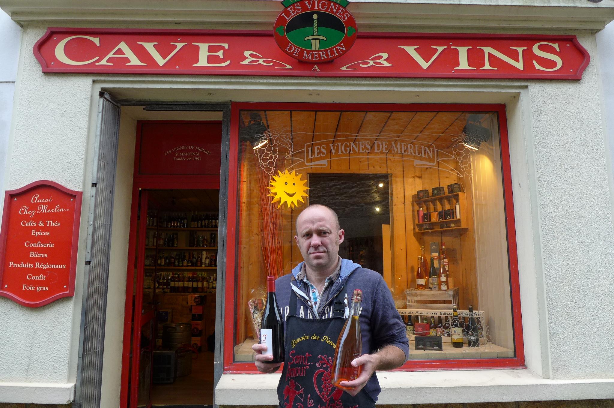 Jean marc abiven devant sa boutique for Magasin rn st priest rouen
