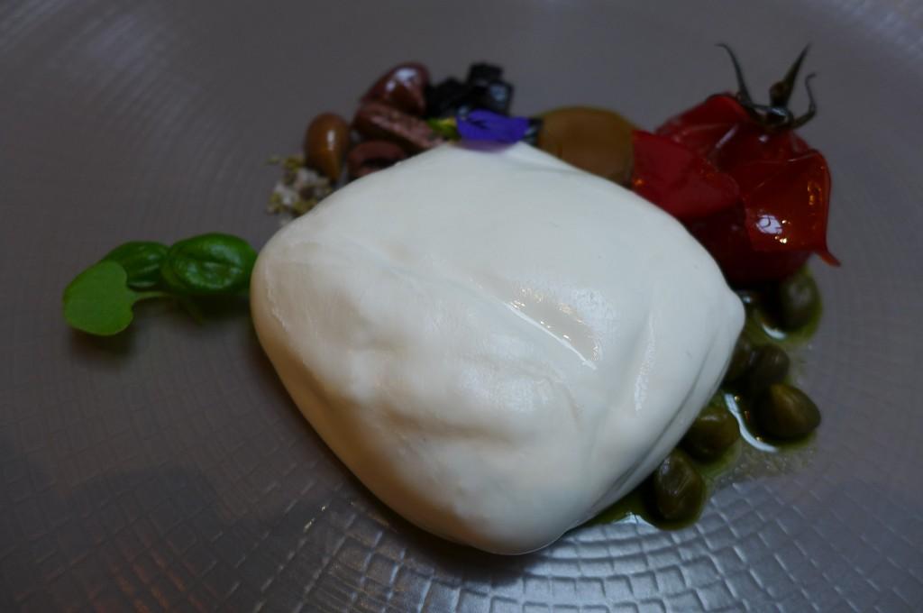 Burrata et câpres © GP
