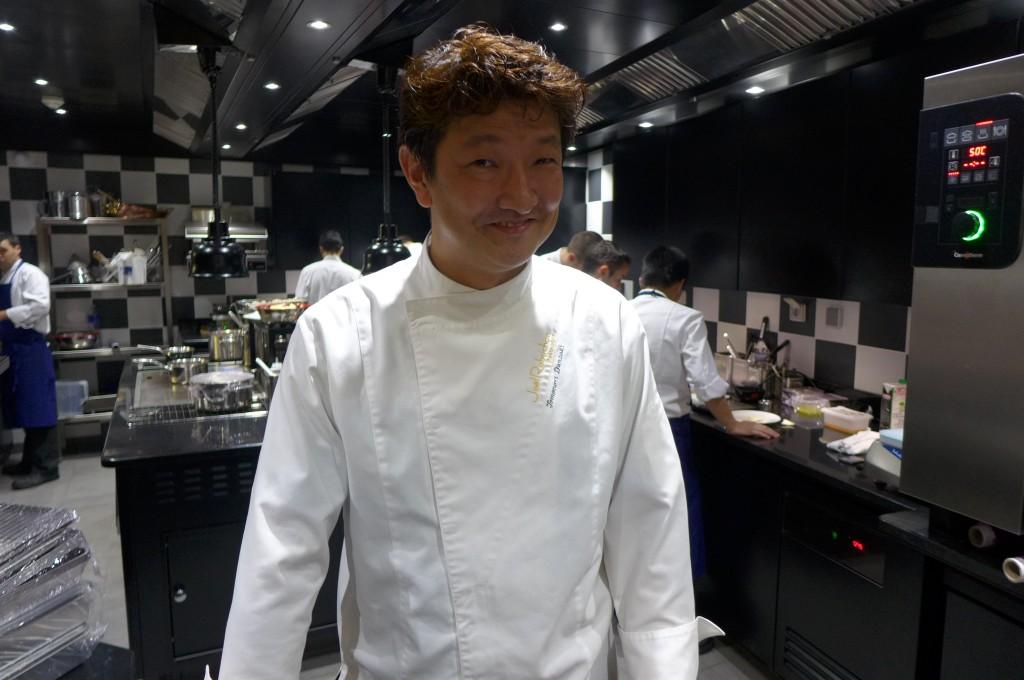 Tomonori en cuisine © GP