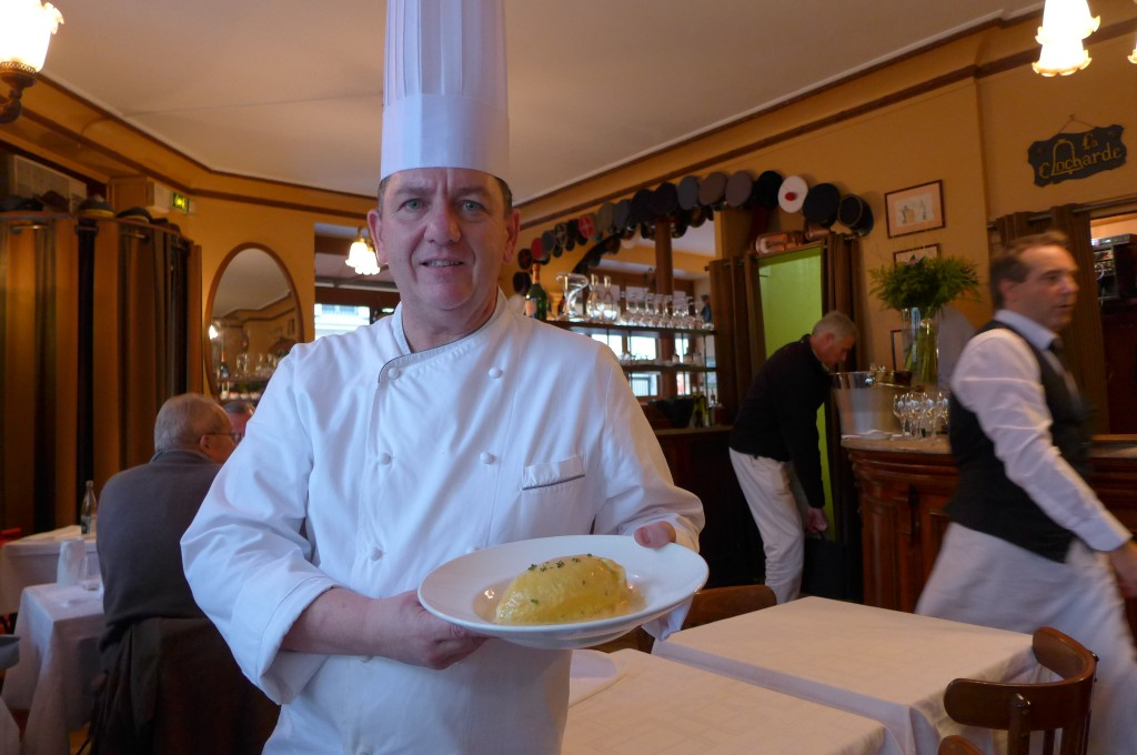 Le chef Hubert Aviles et la quenelle ©GP