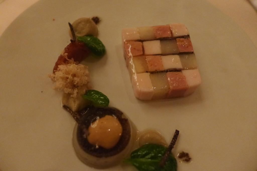 Mosaïque de foie gras, céleri et poularde © GP