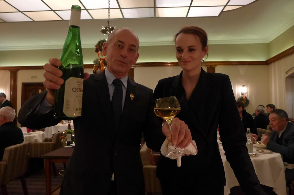 Gilbert Mestrallet et le service des vins ©GP