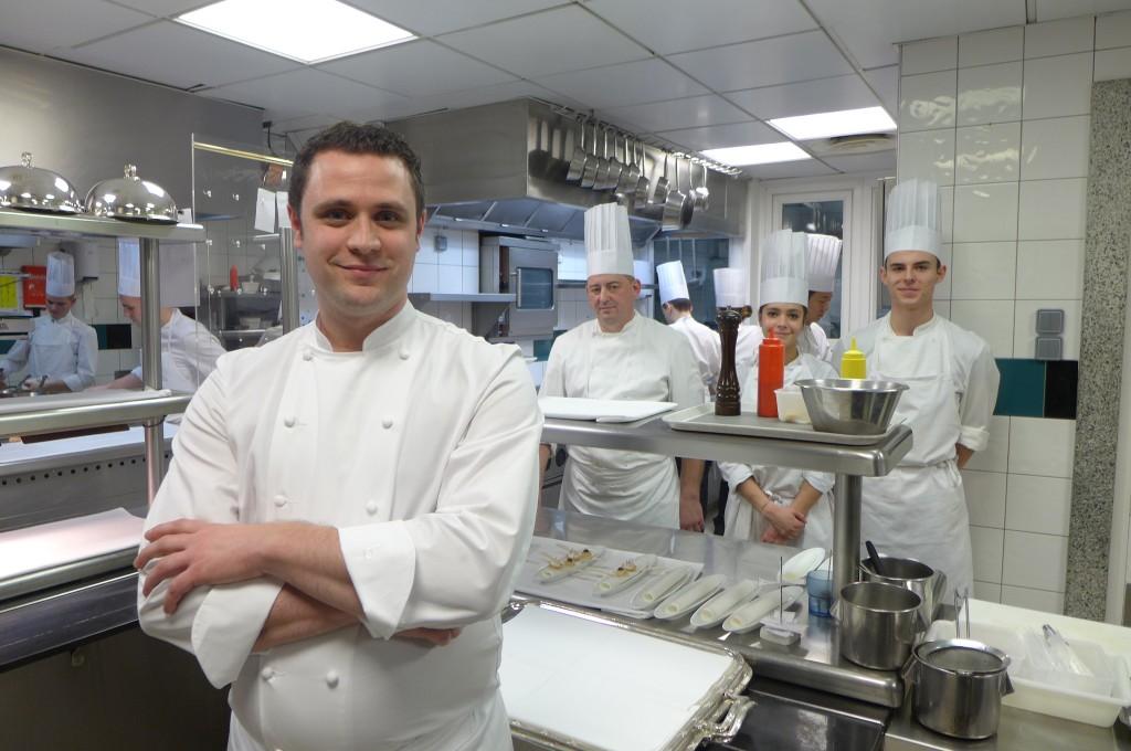 Adrien Trouilloud en cuisine ©GP