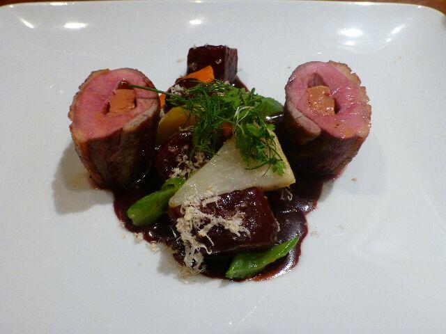 Filet de canette piqué au foie gras © DC