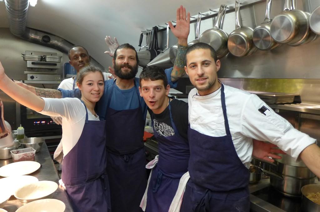 L'équipe en cuisine © GP