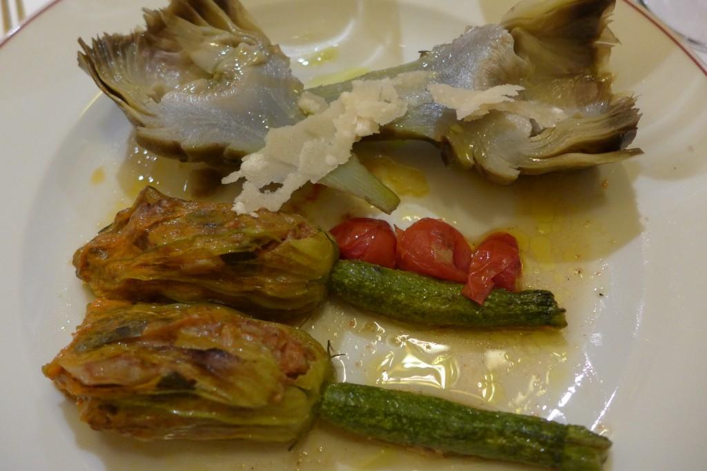 Courgettes-fleurs et artichauts à la romaine © GP