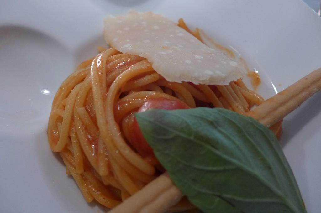 Spaghetti tomate et basilic ©GP