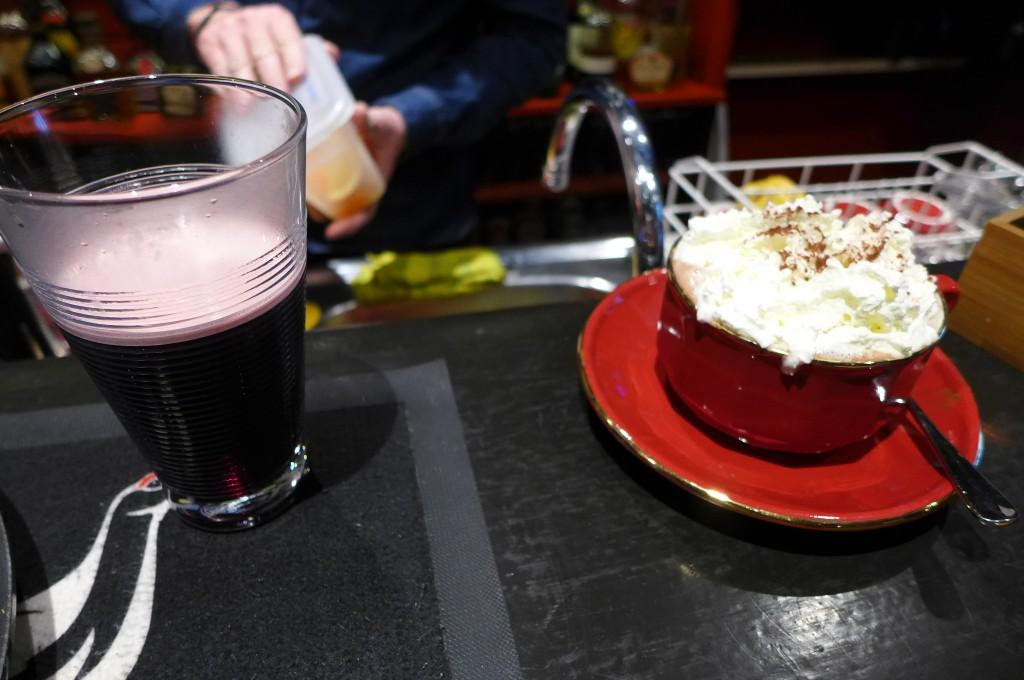 Vin chaud, cappuccino © GP