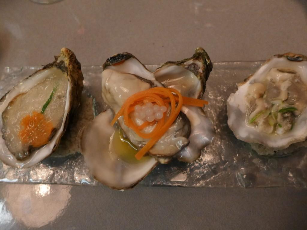 Les trois huîtres en préparation froide © GP