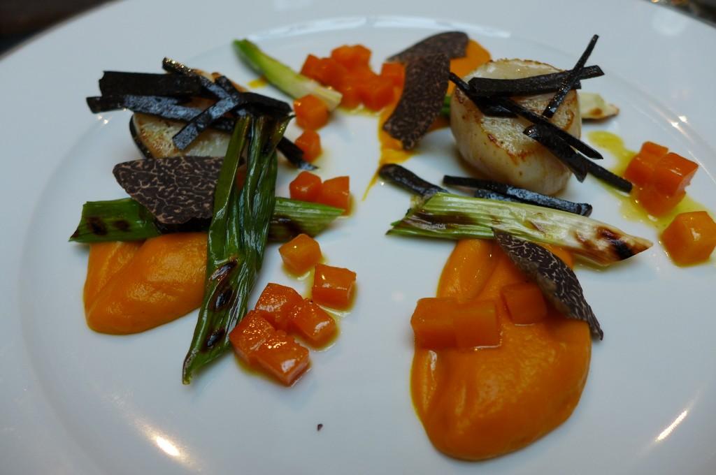 Saint-jacques, truffes et potiron © GP