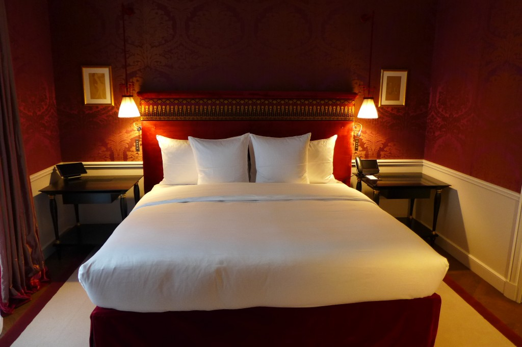 La r serve paris h tel paris 8e le luxe ultime de la for Reserve une chambre