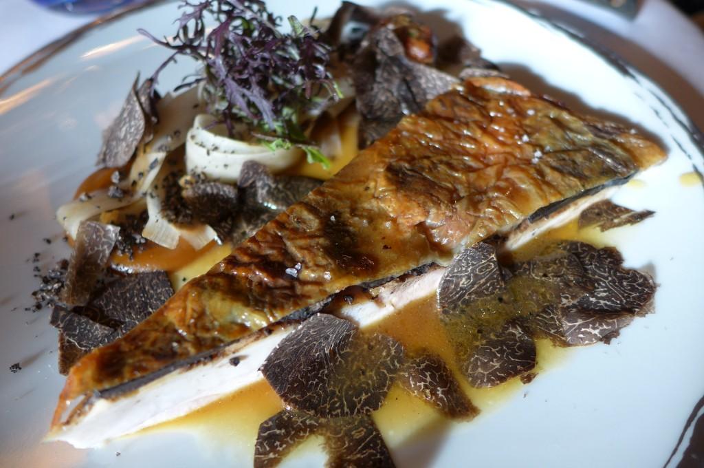Poularde rôtie, truffe noire © GP