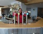 Gwaldys Gros au bar © GP
