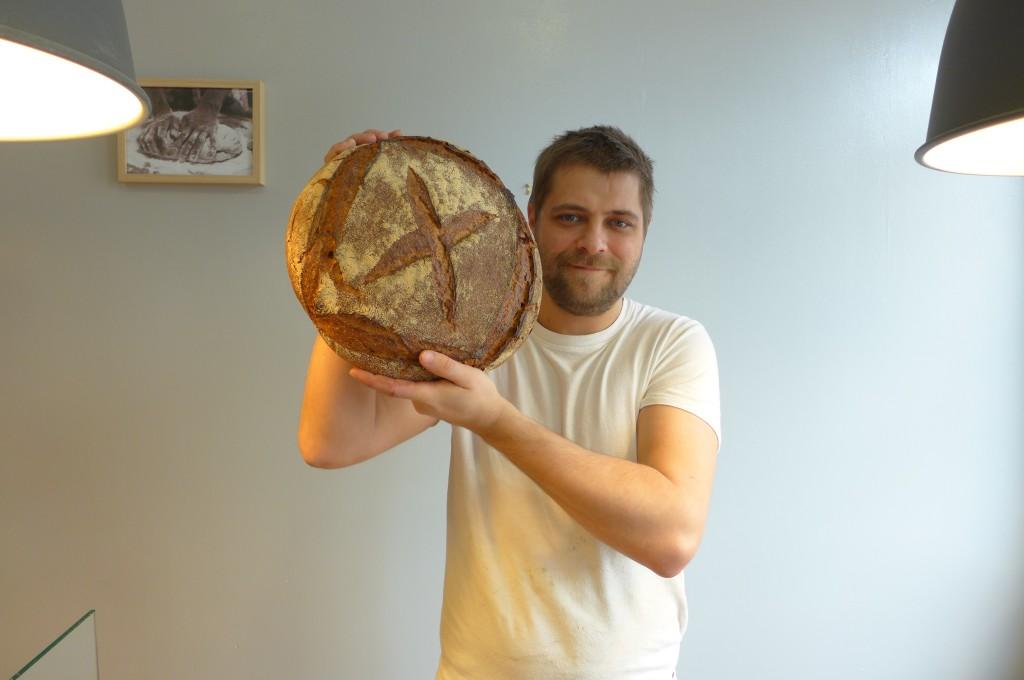 Pierre et son pain © GP