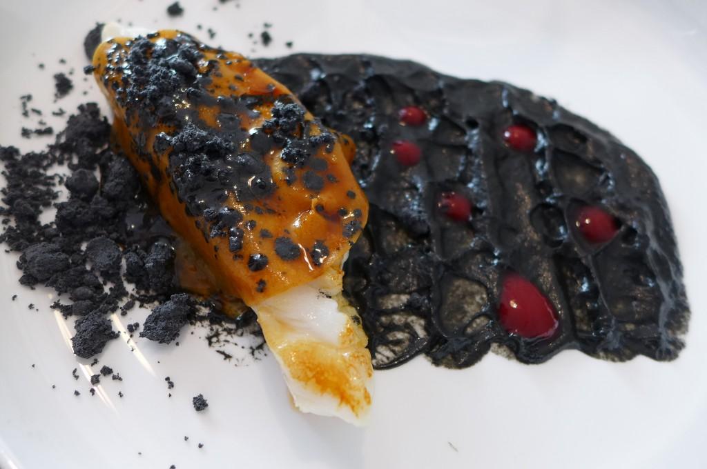 Cabillaud, manioc, aubergine brûlée © GP