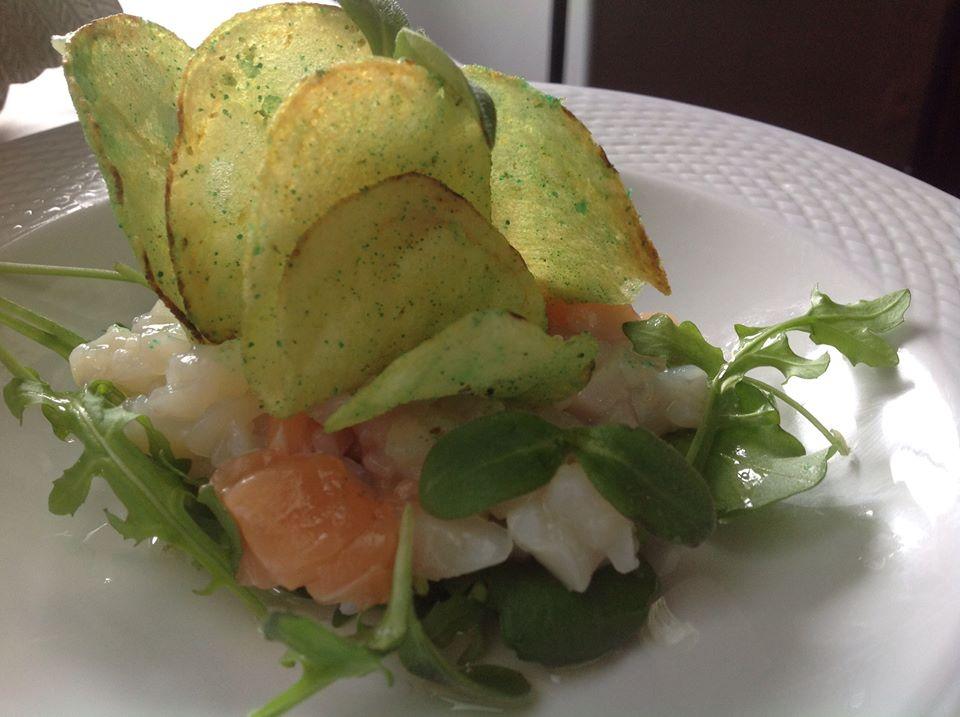 Tartare de poisson au wasabi et feuilles de bourrache©DR