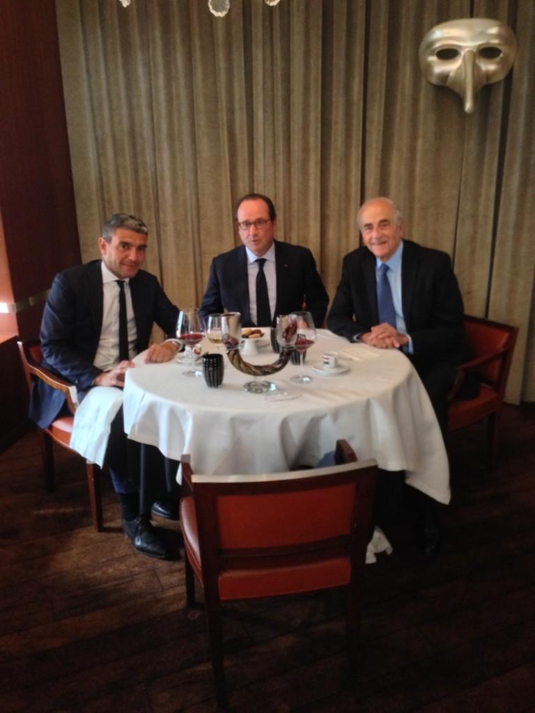 François Hollande avec Jean-Pierre Elkabbach et Ramzi Khiroun © DR