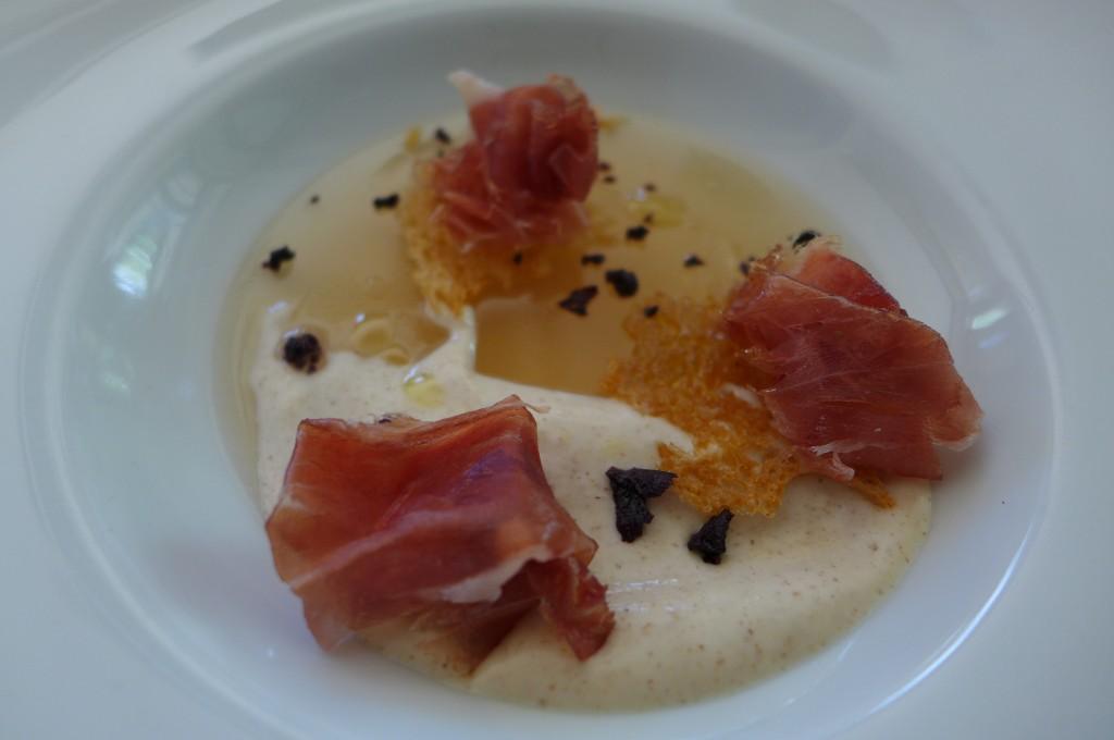 Fine gelée de jambon et mousse fermentée de pain de seigle © GP