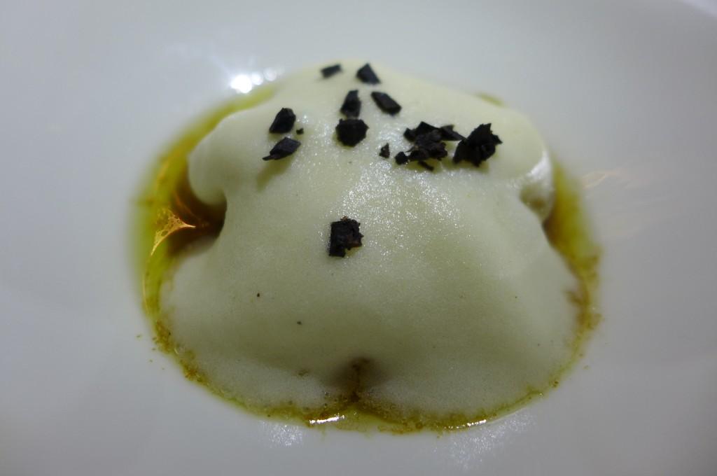 Pomme de terre en cannelloni au foie gras © GP