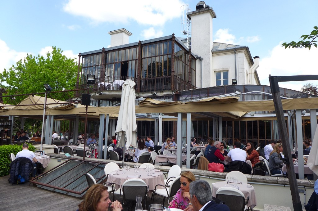 D co restaurant terrasse jardin grenoble 37 saint for Restaurant paris terrasse jardin
