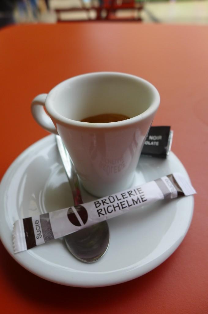 Un café en terrasse ©GP