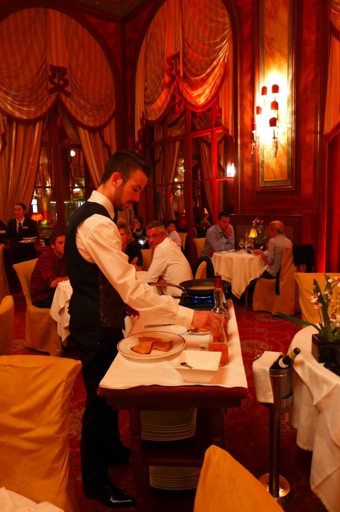 Service des crêpes flambées ©GP