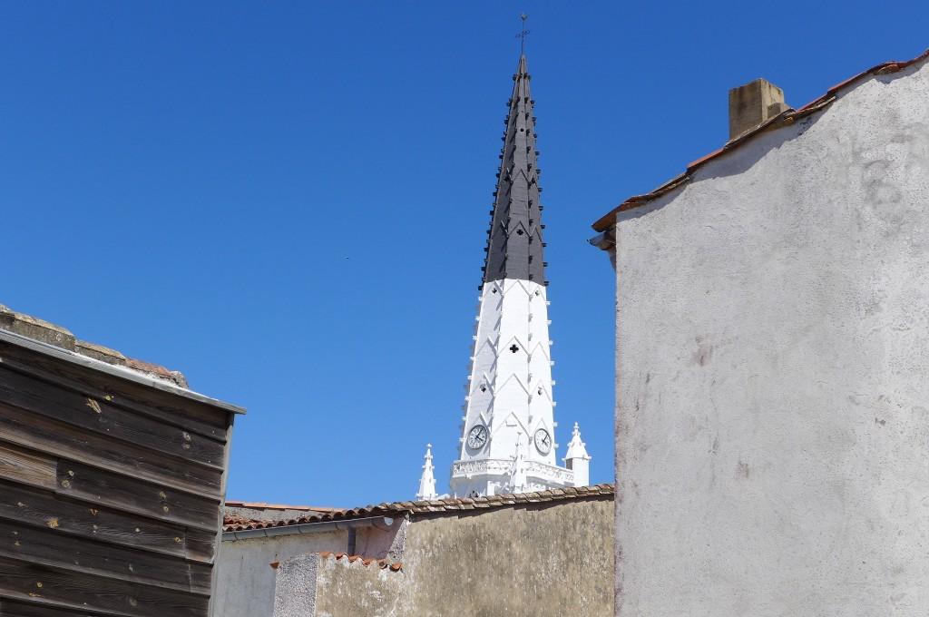 Vue sue clocher d'Ars © GP