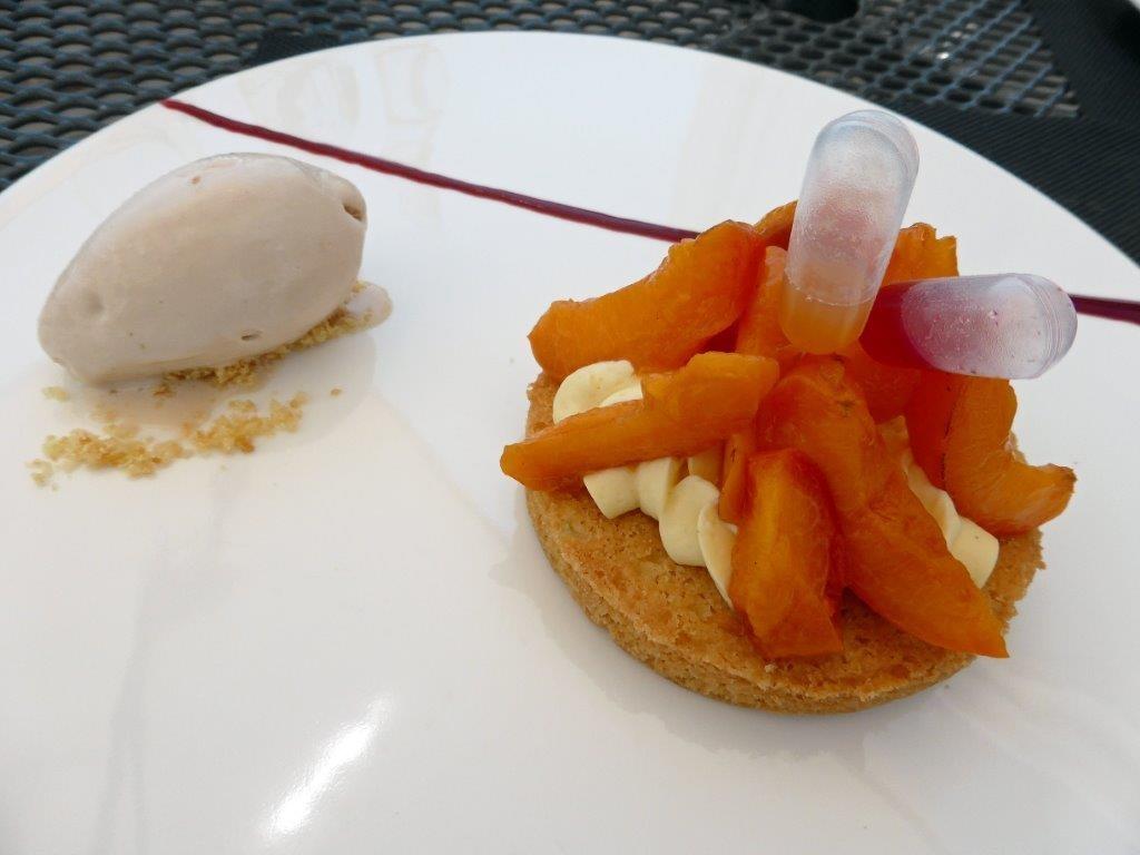 Sablé aux abricots rôtis au thym © AA