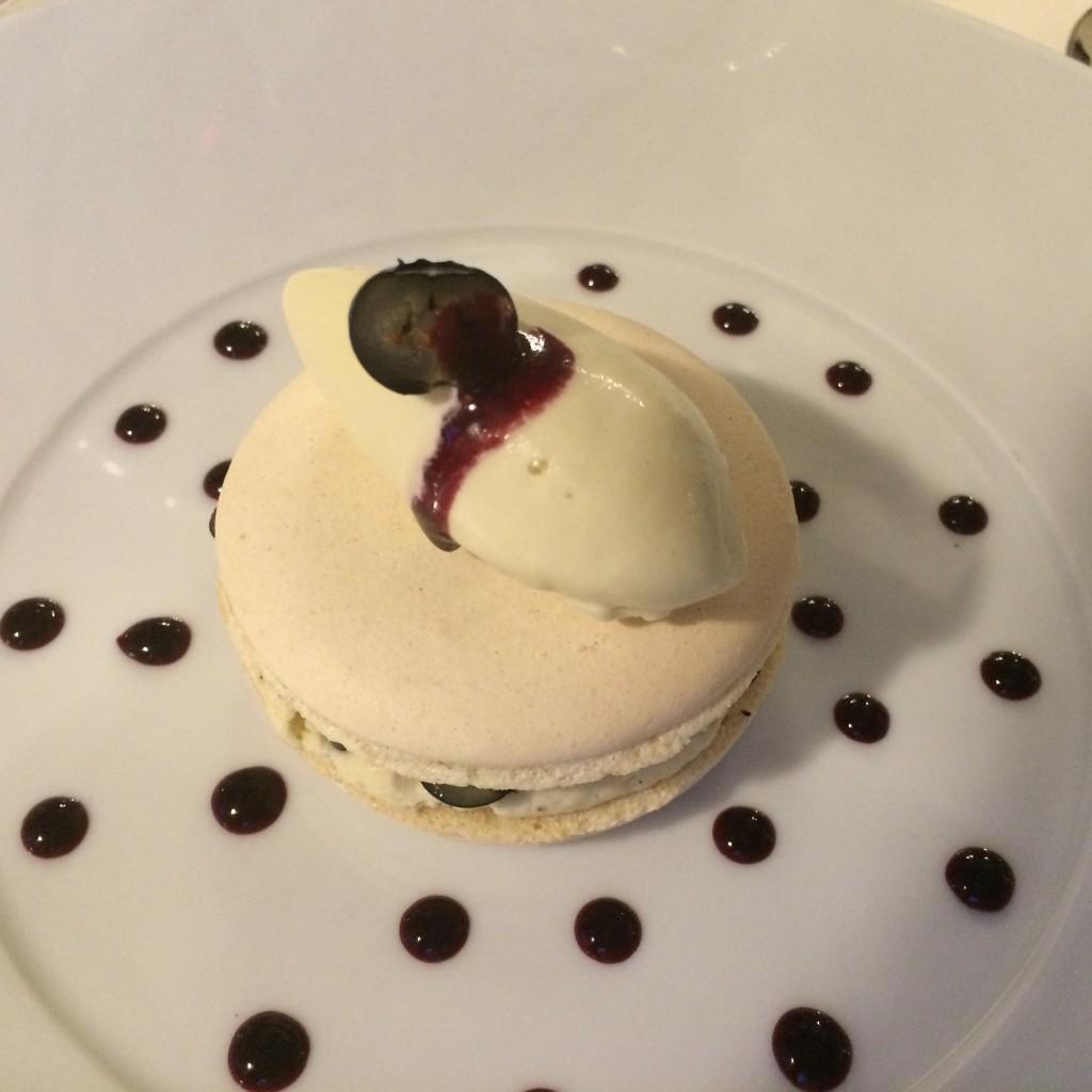 Macaron myrtilles © GP