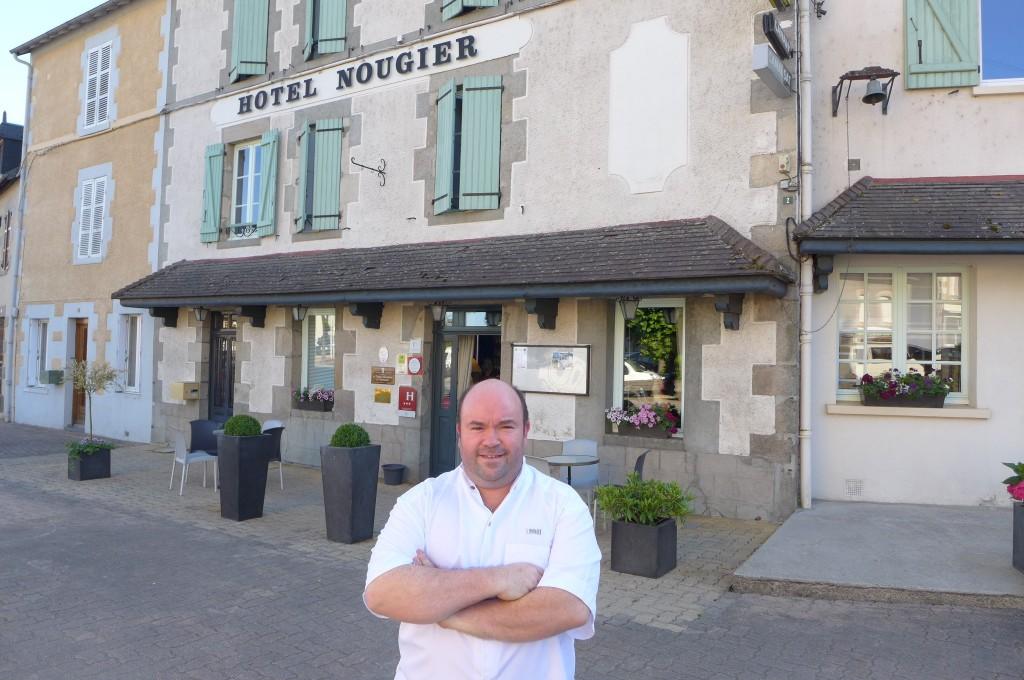 Stephane Nougier et son hôtel © GP