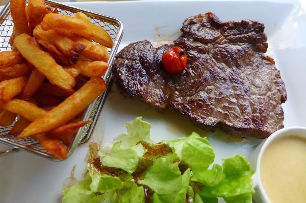 Filet de boeuf du Limousin avec ses frites © GP