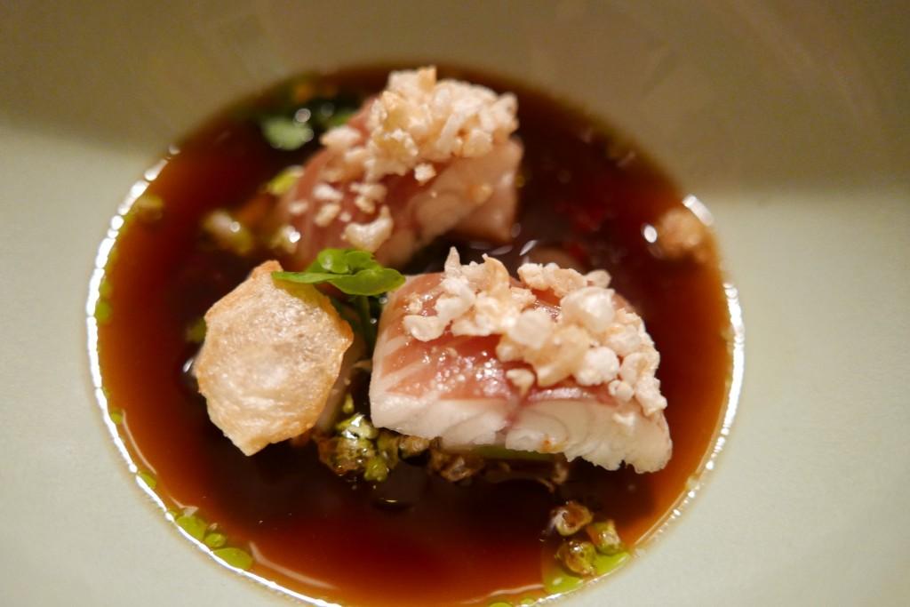 Poitrine de porc et anguille © GP